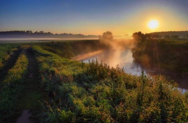 красивый рассвет на реке фото - 15