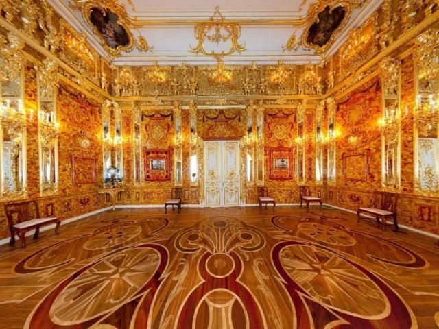 Янтарная комната. «Восьмое чудо света» - Янтарная комната или «кабинет» - уникальный и единственный ...