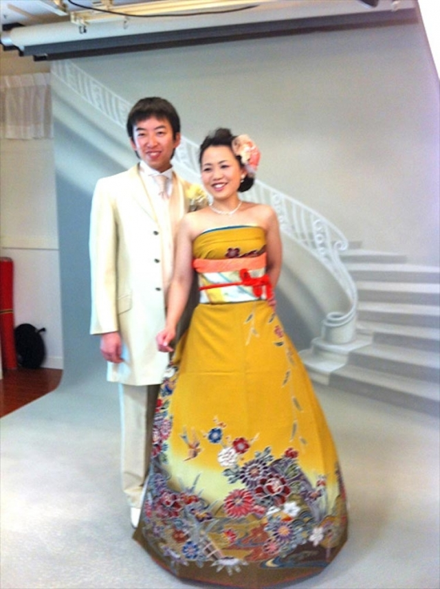 8d0a205f5e0d3ed Фото: Японские невесты в красивых свадебных платьях, которые похожи на  кимоно (Фото)