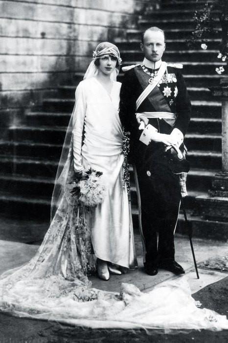 Королевский размах: самые красивые свадебные платья принцесс