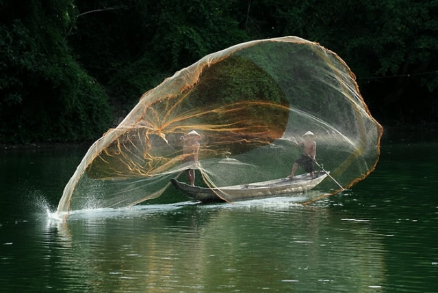 На рыбалке. Автор: Ly Hoang Long.