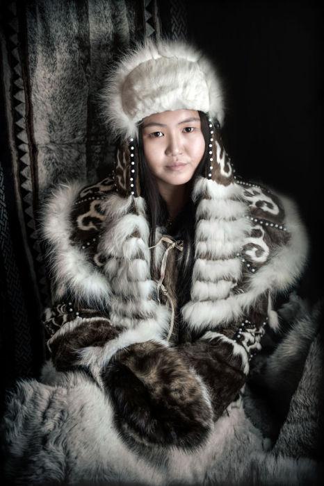 Молодая женщина эвен. Автор: Александр Химушин.