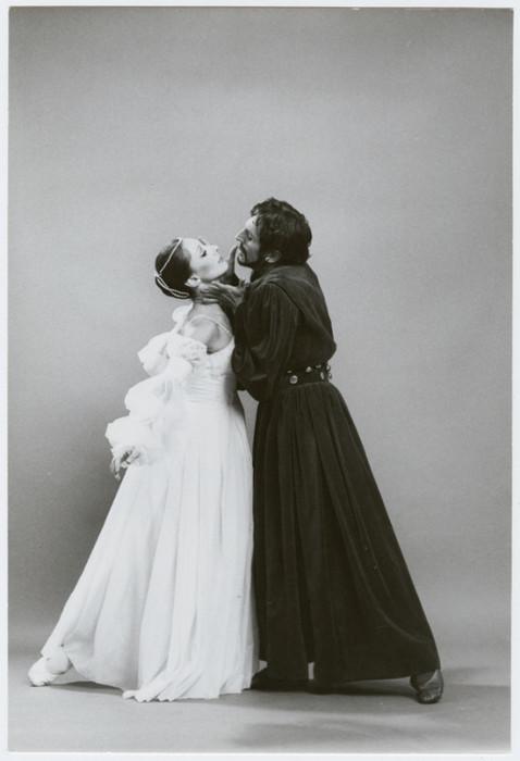 Синтия Грегори с партнером Эриком Бруном.