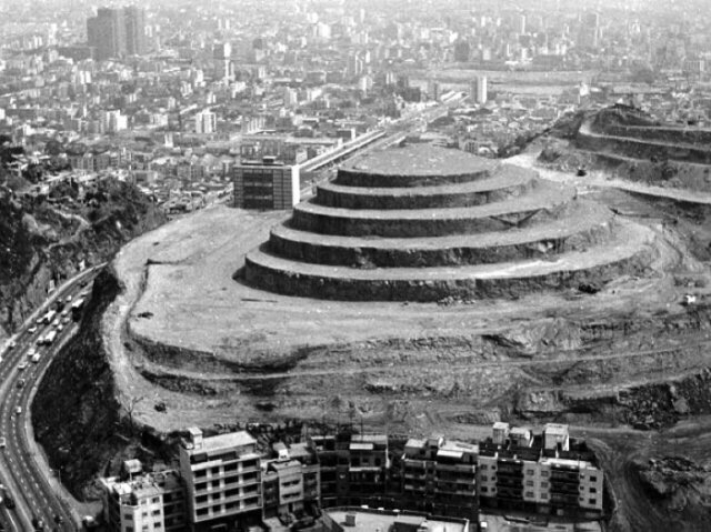 Строительство El Helicoide проходило в 1960-х годах.