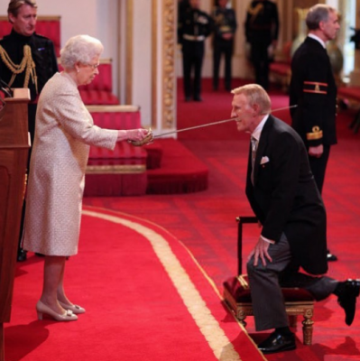 Необычные полномочия, которые есть у британской королевы. Фото