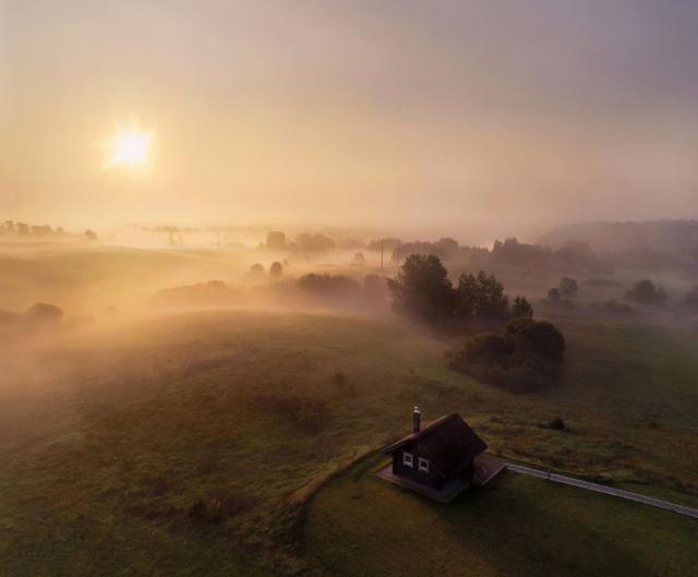 Фотограф показал впечатляющие снимки Литвы