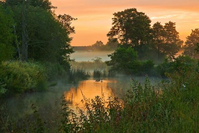 рассвет у реки фото - 10