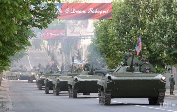 Опубликованы фото подготовки боевиками парада к 9 мая в Донецке (5)