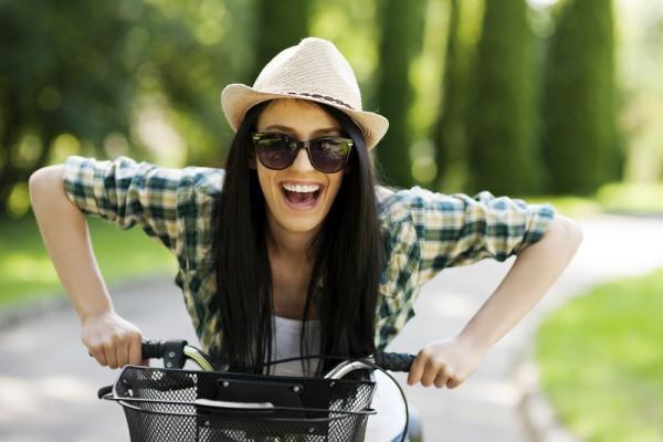 Обязательно покатайся на велосипеде по осеннему лесу
