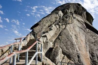 Самые огромные в мире каменные глыбы. Фото