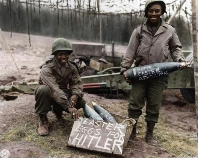 Американские солдаты 969-го полевого артиллерийского батальона.
