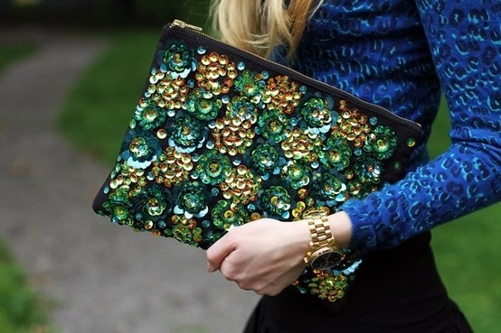 Фото: Мода 2018: шикарные вышитые сумки и клатчи (Фото)
