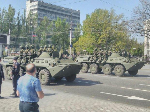 Опубликованы фото подготовки боевиками парада к 9 мая в Донецке (1)