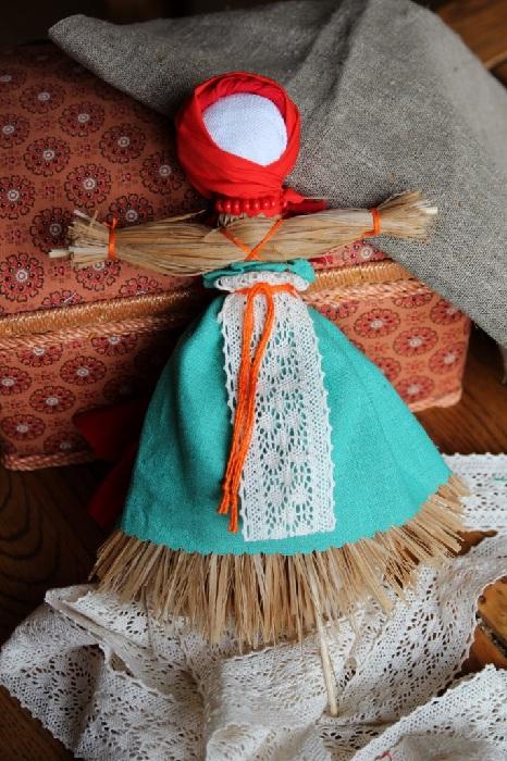 Домашняя кукла Масленица.