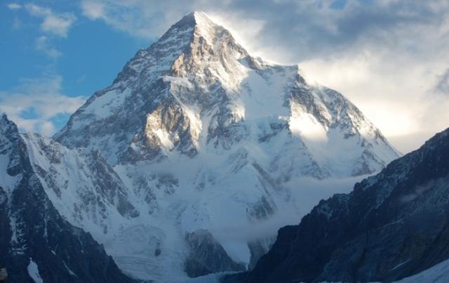 Чогори - горная вершина высотой 8614 метров. | Фото: bakimliyiz.com.
