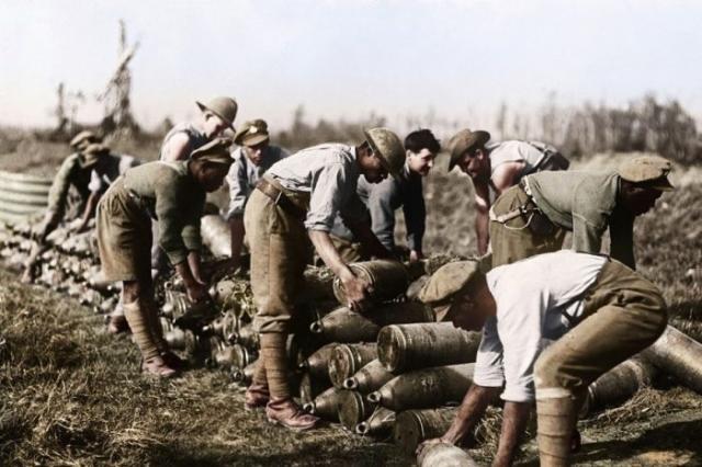 Западно-индийские и австралийские войска во время битвы при Ипре в 1917 году.