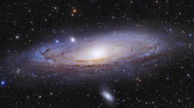 Андромеда имеет невероятно завораживающий вид.