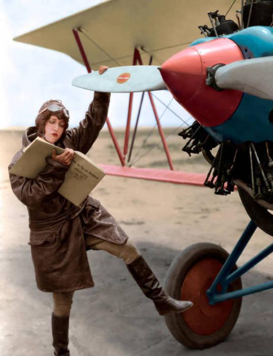 Дороти Себастиан - популярная американская актриса.
