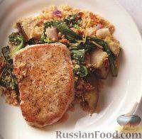 Фото к рецепту: Свиные стейки с кускусом