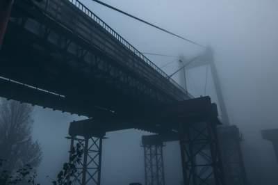 Киев погрузился в густой туман. Фото