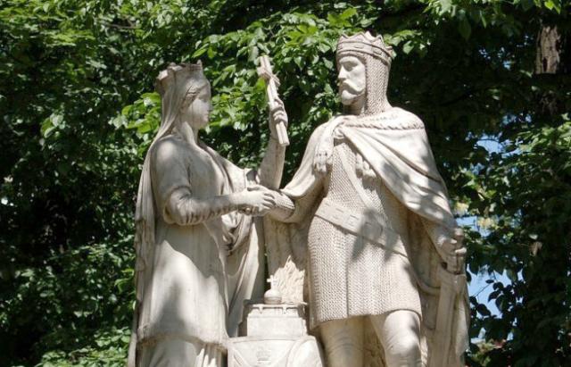 Польский памятник союзу Ядвиги и Ягайло