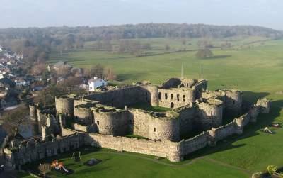 В этих роскошных замках хотел бы жить каждый. Фото