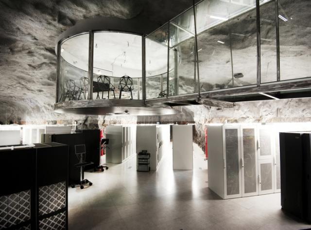 Центр обработки данных в бывшем бункере Pionen, в стокгольмском районе Сёдермальм.