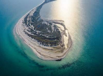 Так выглядит самый большой необитаемый остров Украины. Фото