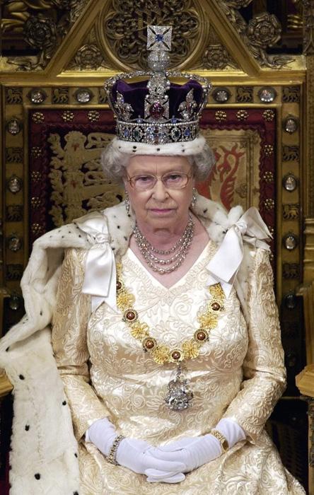 Елизавета Александра Мария -  царствующая королева Великобритании с 1952 года по настоящее время.