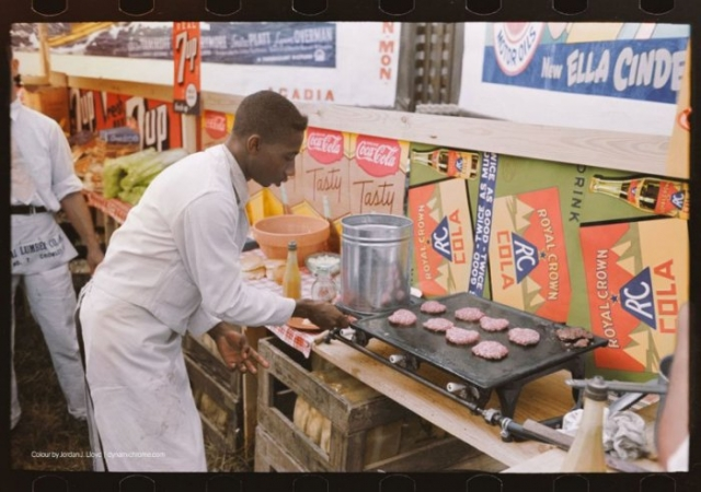 Приготовление бургеров. США, Луизиана, Кроули, 1928 год.