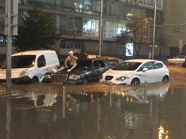 """Результат пошуку зображень за запитом """"В сети показали фото мощнейшего потопа в Киеве - фото."""""""