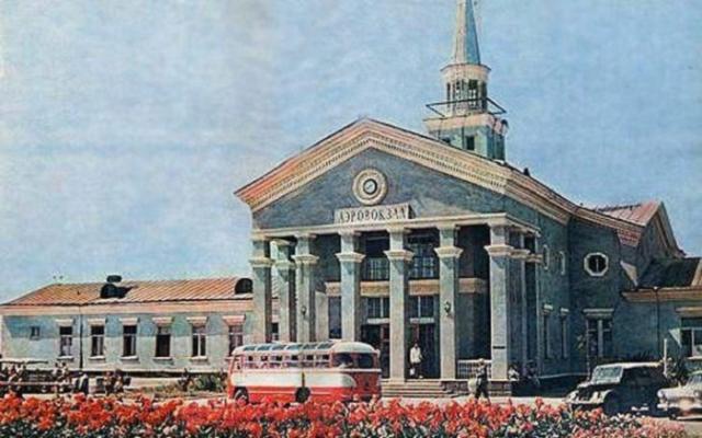 Фото: Как выглядели украинские города в середине ХХ века (Фото)