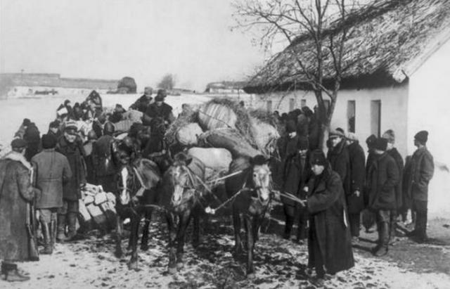 Многие погибли еще на пути в Сибирь./ Фото: vokrug.ga