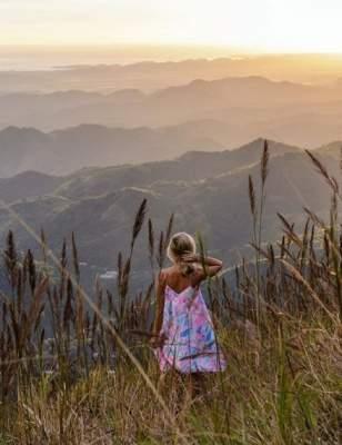 За путешествиями этой девушки следят сотни тысяч людей. Фото