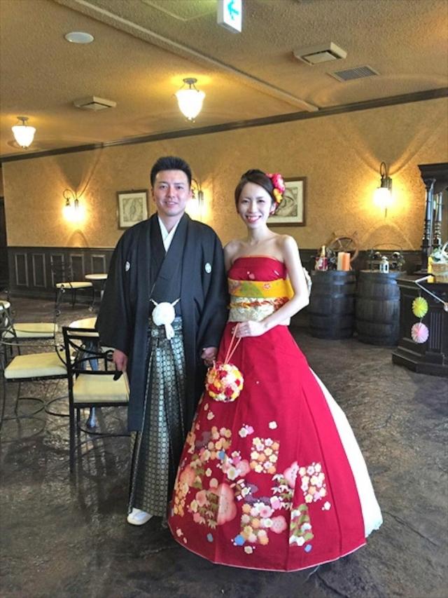 Фото: Японские невесты в красивых свадебных платьях, которые похожи на кимоно (Фото)