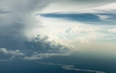 Как выглядят облака на высоте шесть тысяч метров. Фото