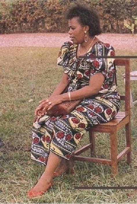 Для тутси Агата была чужой, хуту считали её предательницей интересов своего народа. Агата хотела Руанде мира.