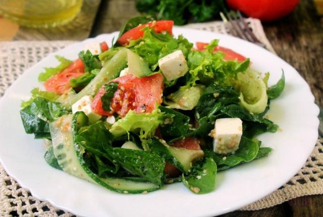 Пикантная заправка для салатов.