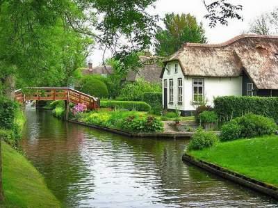 Уникальная деревня, в которой нет дорог. Фото