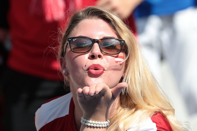 """Результат пошуку зображень за запитом """"Самые красивые футбольные болельщицы со всего мира - фото."""""""