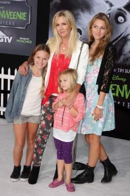 Как выглядят дети самых красивых звезд Голливуда. Фото