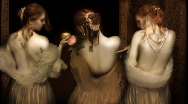 Сплетни и интриги. Автор: Mariska Karto.