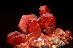 Ванадинит - интересные факты о минералах