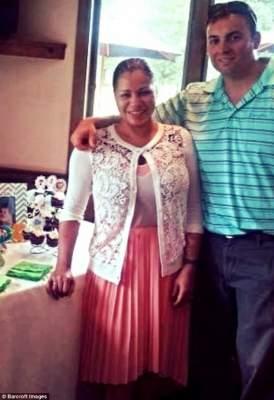 Мать троих детей удивила талией объемом 45 см. Фото