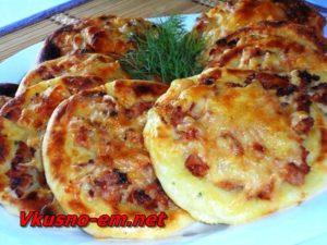 kartofelnyie-vatrushki-s-kuritsey